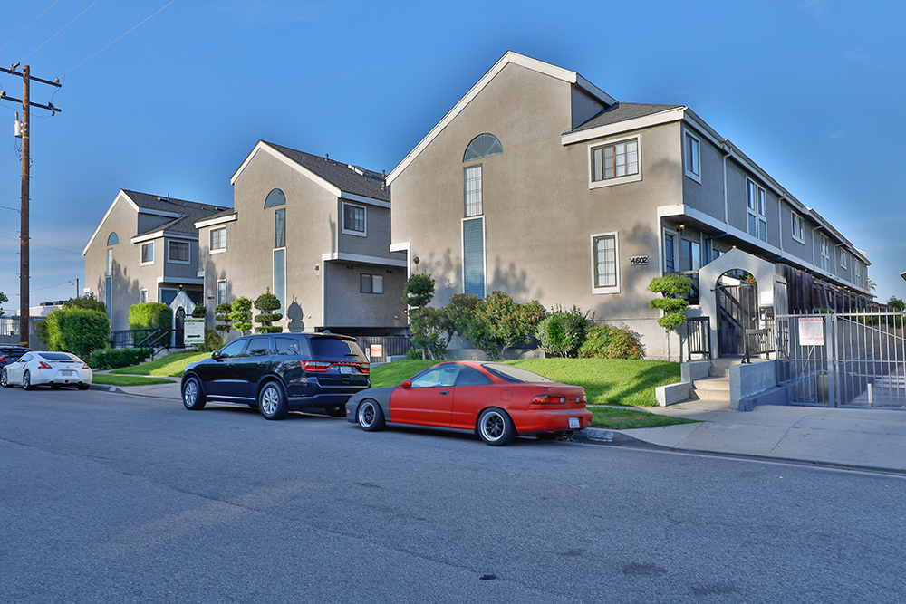 14526, 14600, 1460 Larch Avenue, Lawndale
