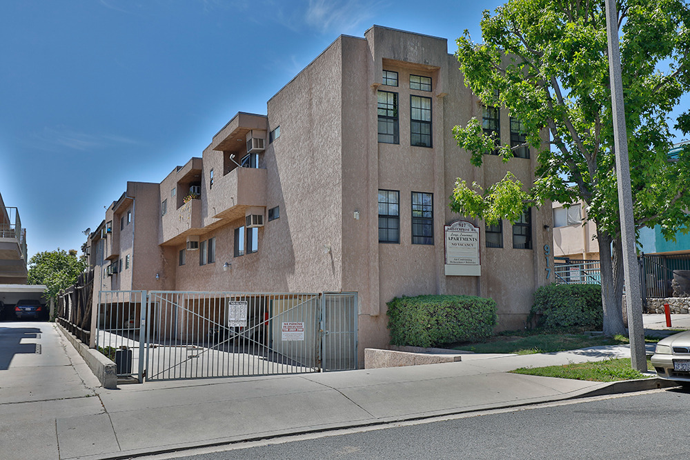 917 Enterprise Avenue, Inglewood