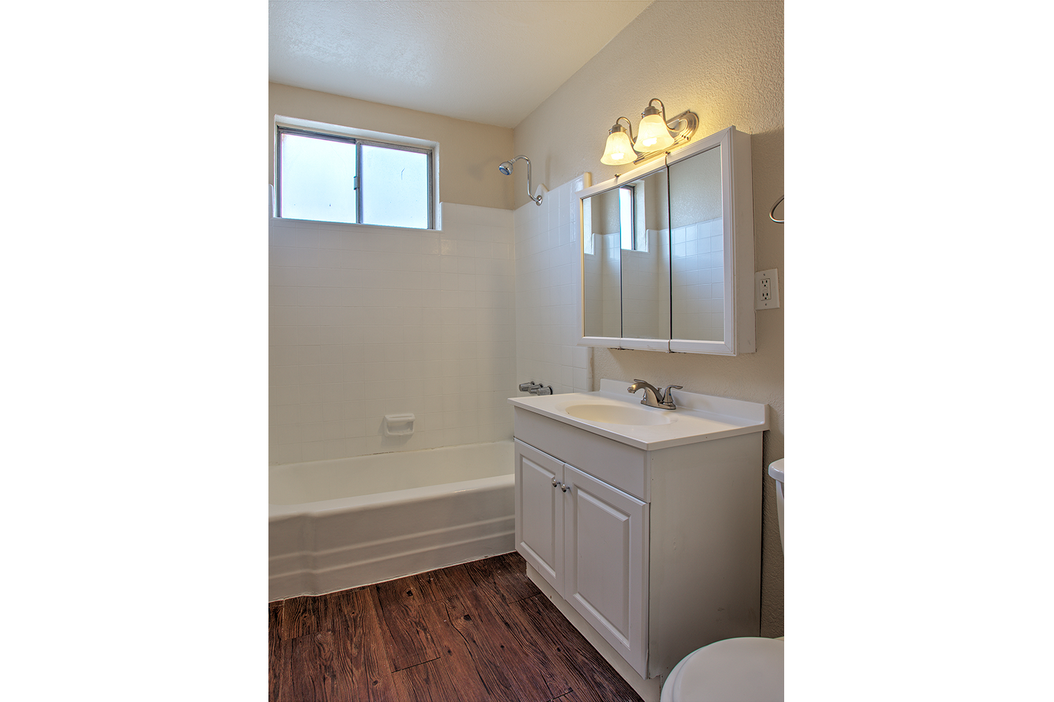 Updated bathroom at 14517 Larch
