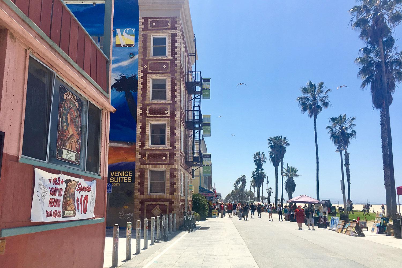407 Ocean Front Walk, Venice profile