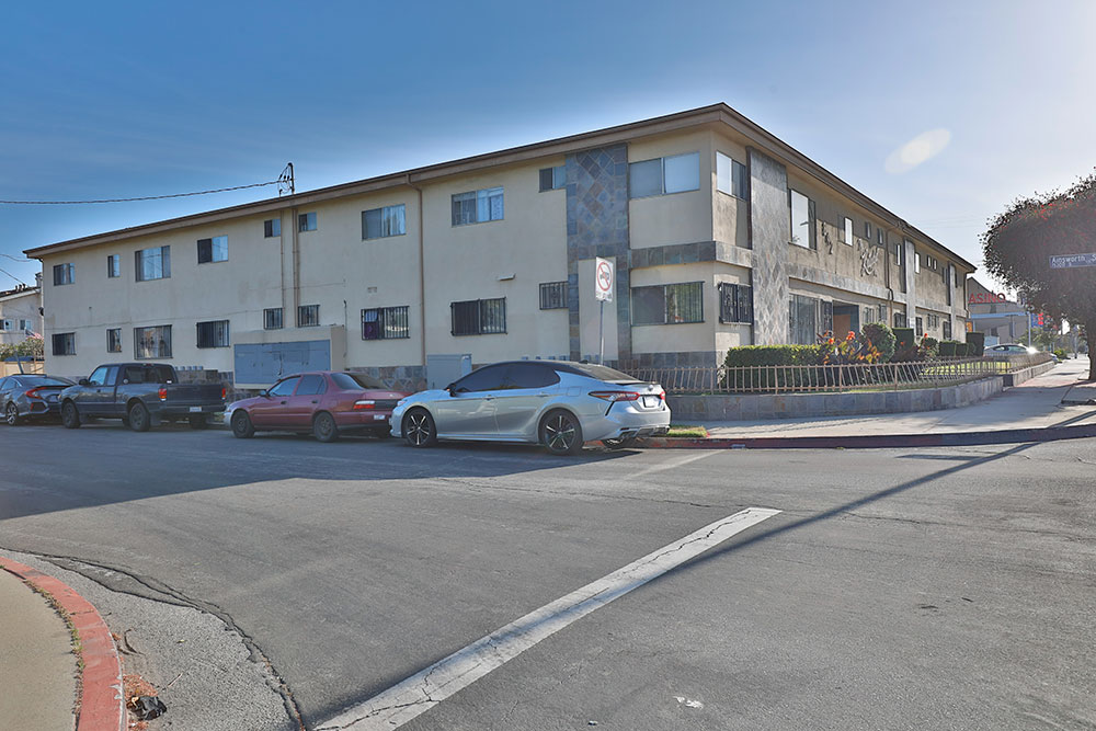 842 West Redondo Beach Boulevard, Gardena